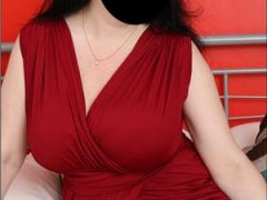 Sex in Bucuresti: DOAMNA 42, senzuala si catifelata calda si rabdatoare masaj de relaxare cu atingeri suave delikate